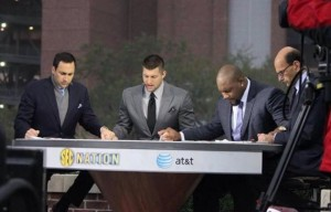 Tim Tebow Still Tebowing